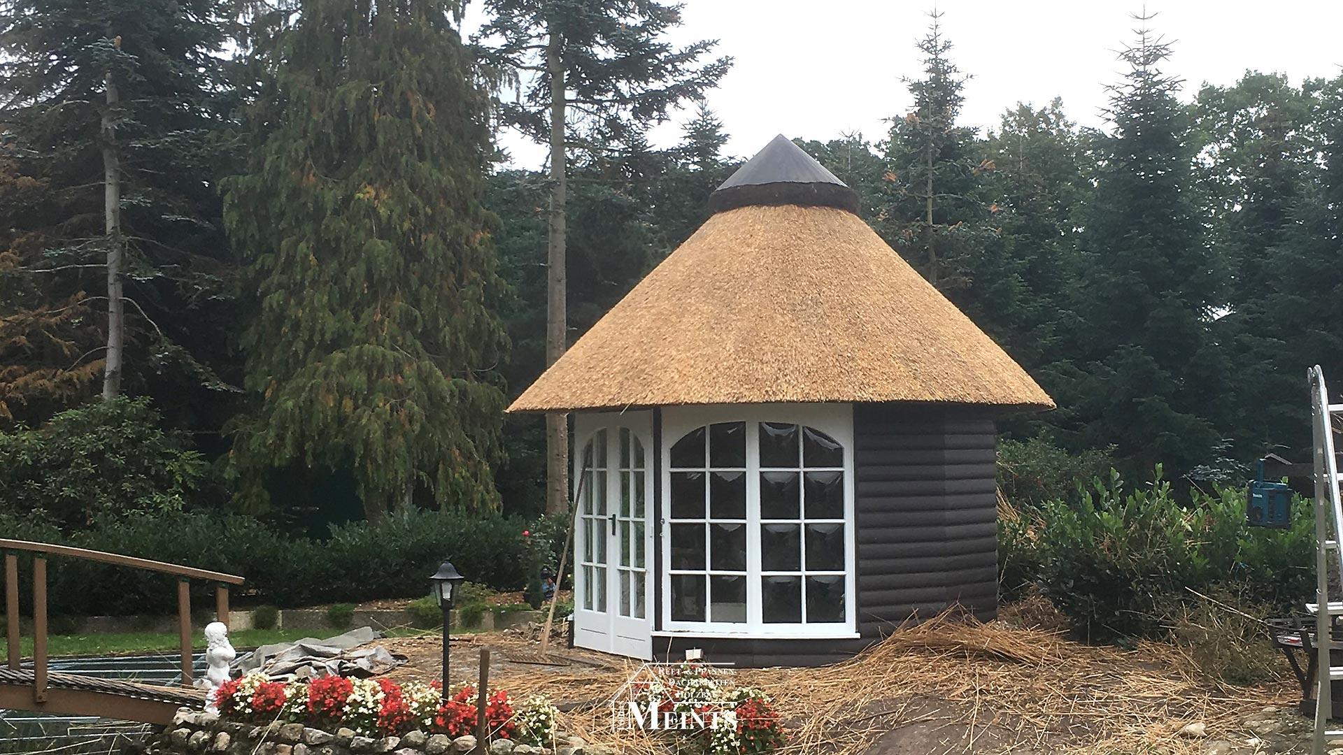 Sonderbauten Pavillon Naturreet Reetbedachung Ammerland Dachdecker Bad Zwischenahn 03